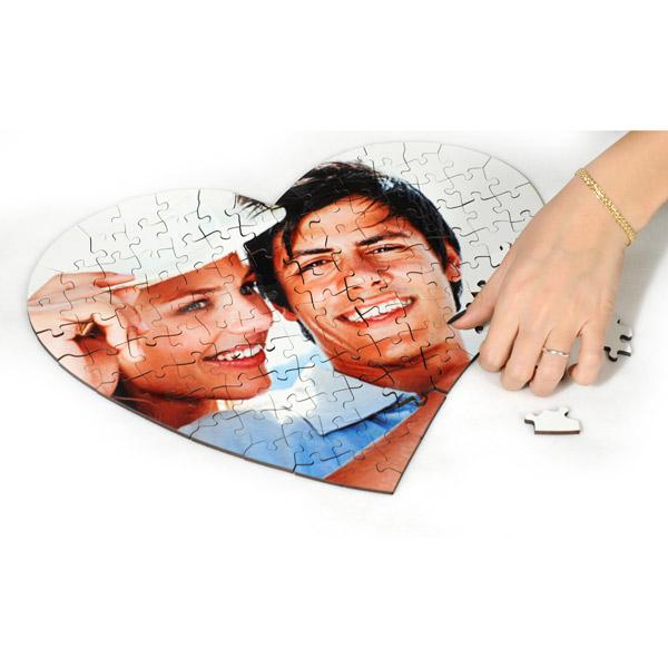 puzzle in legno cuore regala al tuo fidanzato qualcosa di eterno fotomox. Black Bedroom Furniture Sets. Home Design Ideas